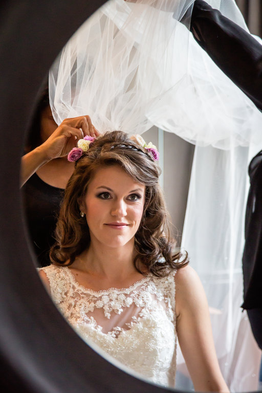 Wedding Hair & Makeup Artist Guide to Getting The Bride ...